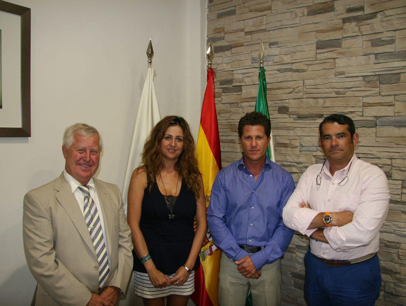 Firma de convenio entre Rodriguez Ros y el Ilustre Colegio de Administradores de fincas de Malaga y Melilla.